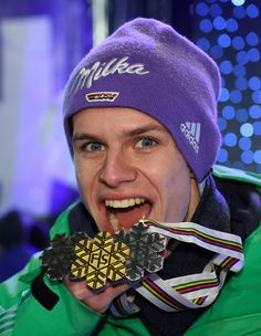 Andreas Wellinger Photos Photos: Men's Ski Jumping FIS Nordic World Ski Championships Andreas Wellinger, Mens Skis, Ski Jumping, The Vamps, Olympic Games, Best Part Of Me, Olympics, Skiing, Athlete