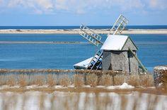Cape Cod: Chatham Windmill in Winter