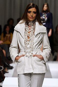 Design Dolores de Jong Mart Visser Haute Couture Show 2012
