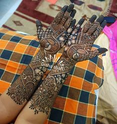 No photo description available. Leg Mehndi, Legs Mehndi Design, Mehndi Design Pictures, Hand Mehndi, Beautiful Mehndi Design, Mehndi Images, Mehndi Desing, Mehendi, Floral Henna Designs