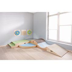 Treppe | Treppenpodeste | Podeste | Möbel & Raumgestaltung | Krippe & Kindergarten | Wehrfritz Deutschland