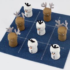 Tic-Tac-Snow - family fun crafts to inspire play this Christmas, made from wine corks and felt