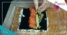 ¿Alguna vez te has preguntado cómo se hace el sushi? ¿Te gustaría iniciarte en la comida japonesa? Si tu respuesta afirmativa estás en el lugar adecuado y en el momento adecuado, ¡Apúntate al curso de sushi que impartimos en nuestros restaurantes de Villaviciosa de Odón, Menorca y Ciudad Real el próximo día