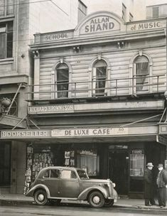 The De Luxe Cafe at 80 Willis Street, Wellington, in Cafe O, Christchurch New Zealand, New Zealand Landscape, History Online, Kiwiana, Before Us, Capital City, Good Old, Old And New