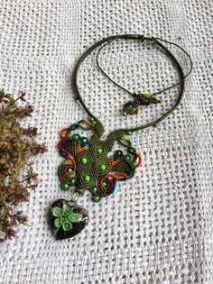 Macrame neckleace by Malee Handmade