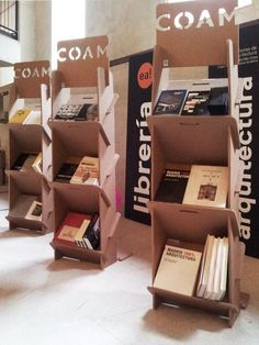 Bookcase exhibitor library bookshelf for architects designed by Cartonlab. Cardboard Chair, Cardboard Sculpture, Cardboard Design, Cardboard Display, Cardboard Furniture, Cardboard Crafts, Wood Display Stand, Pop Display, Display Design