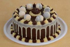 receita de bolo de leite Ninho® com Nutella® decorado com brigadeiros na parte de cima e cobertura escorrendo