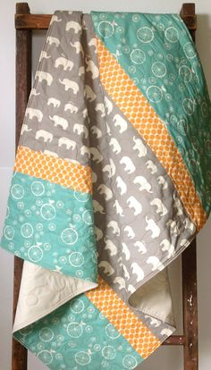 Gender Neutral Baby Quilt Modern Organic Mod Basics by CoolSpool Quilting Projects, Sewing Projects, Diy Pour Enfants, Neutral Baby Quilt, Baby Boy Quilts, Idee Diy, Easy Quilts, Baby Crafts, Baby Sewing
