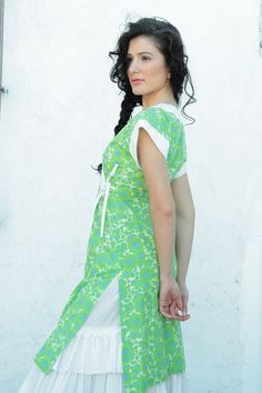 Flor grande verde en vestido japo