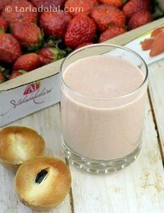 This is one of my favourite breakfast shakes. When I am in hurry, I simply gulp it down to prevent acidity.