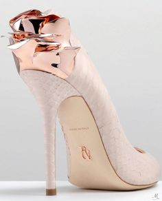RALPH & RUSSO ROSE PUMP PINK PYTHON WITH PINK GOLD ROSE: