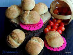 Łatwe bułki pszenne na śniadanie - Moje Małe Czarowanie - Dorota Owczarek Hamburger, Muffin, Bread, Breakfast, Food, Morning Coffee, Eten, Hamburgers, Cupcakes