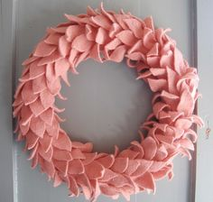 Love the texture of this spring felt wreath