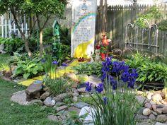 Wizard of Oz theme garden