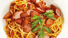 Sausage and Tomato Spaghetti. A quick and easy supper when time is of the essence! Sausage Spaghetti, Real Food Recipes, Yummy Food, Tinned Tomatoes, Pasta, Sausage Recipes, Bite Size, Fries, Pizza