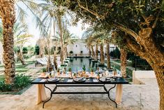 [EDITORIAL] • Mariage en Tunisie, entre oasis et déserts | Make My Wed    #stylisme #table #wedding #Tunisie #decor