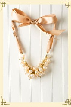 Beautiful Ribbons & Pearls Necklace