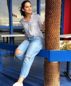 Amala Paul Hot, Saree Photoshoot, Hijab Tutorial, Business Card Mock Up, Casual Wear, Actors & Actresses, Girly, Fashion Outfits, Female