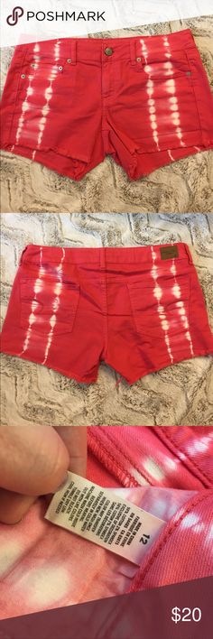 """American Eagle Shortie Shorts Very lightly worn American Eagle shortie shorts. 2"""" inseam. Pink with white tie dye design. American Eagle Outfitters Shorts"""