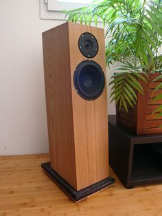 Compact-Studio-Monitor Best Speakers, Diy Speakers, Audiophile, Monitor, Compact, The Originals, Studio, Home Decor, Homemade Home Decor