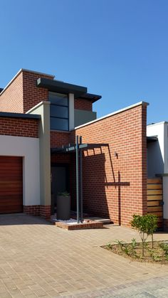 South African Residential Architecture. 5 New Houses in Menlo Park, Pretoria, by Mary-Anne da Costa_Architect