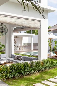 It's not easy to combine a house made for entertainment but also completely targeted for families with young children. But Villa JOJU has managed to do both. Exterior Design, Interior And Exterior, Extension Veranda, Casa Loft, Outdoor Areas, Outdoor Entertaining, Cabana, Architecture, My Dream Home
