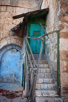 I would like to capture pictures of doors in Jerusalem while I am there.....if we have time!