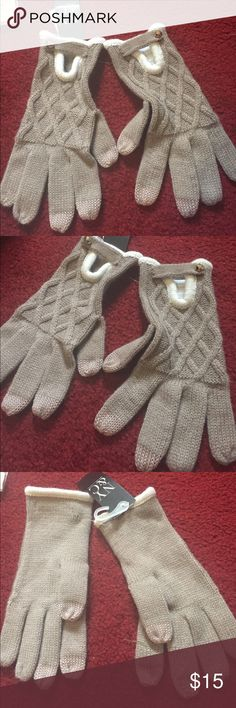 New beige gloves New beige gloves New York & Company Accessories Gloves & Mittens