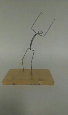 Skelet knippen en buigen, solderen en in de juiste houding buigen