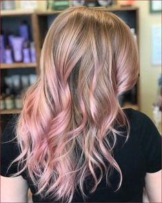 Picture of a desert rose gold hair - Coiffure Rose - Gold Hair Colors, Ombre Hair Color, Hair Color Balayage, Cool Hair Color, Pink Hair Highlights, Hair Colours, Rose Gold Blonde, Rose Gold Hair, Blonde Hair Pink Tips