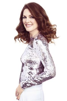 Julianne Moore covers the April 2015 issue of Harper's BAZAAR. See the full fashion shoot here: