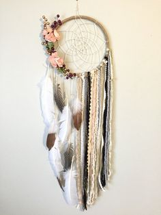 dream catcher This dreamcatcher is so feminine, shabby chic and beautiful! The base is a large 10 inch hoop wrapped in twine with a cream twine hand woven web. There are gold/maroon ber Los Dreamcatchers, Easy Diy Room Decor, Dream Catcher Boho, Dream Catcher Bedroom, Lace Dream Catchers, Feather Dream Catcher, Dream Catcher Wedding, Dream Catcher Decor, Beautiful Dream Catchers