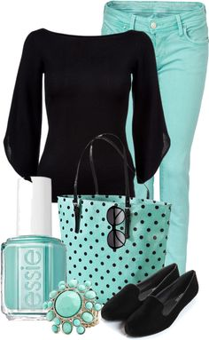 mint and black outfit. My NYE outfit. What kind of jewelry? Mode Outfits, Casual Outfits, Fashion Outfits, Womens Fashion, Fashion Trends, Ladies Fashion, Fashion Tips, Style Work, My Style