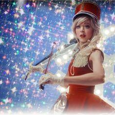 "@jkcsky på Instagram: ""Lindsey Stirling Repost from: @warmerinthekingdom Edit by: @warmerinthekingdom 'Christmas C'mon'…"""