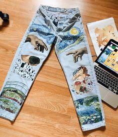 Art Today on Vi piacerebbe . Painted Jeans, Painted Clothes, Diy Clothes Paint, Diy Clothing, Custom Clothes, Diy Urban Clothes, Diy Fashion, Ideias Fashion, Fashion Design