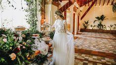 Nos pusimos a soñar y aquí está esta mesa de postres frutal e iluminada con mucho verde,  frutas, y una novia preciosa. Wedding Dresses, Fashion, Mesas, Green, Boyfriends, Wedding, Bride Dresses, Moda, Bridal Gowns