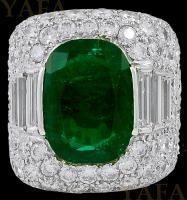 Fred Leighton Diamond and Oval Shaped Emerald Ring For Sale at Sapphire Band, Emerald Diamond, Diamond Cuts, Emerald Cut, Emerald Green, Antique Jewelry, Vintage Jewelry, Jewelry Rings, Fine Jewelry