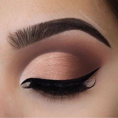 That ombré cut crease tho @linerandbrowsss