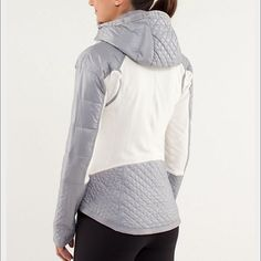 Run: Bundle up jacket: glacier white & silver Worn once. Need a different size. Hood is removable. Refer to lulu size chart to ensure proper fit      •no trades•no offsite transactions•no low balls•offers considered through the offer feature only!• 💗 lululemon athletica Jackets & Coats Puffers