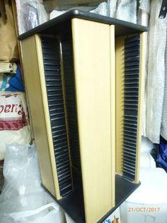 15,00€ · Mueble de Cds · Mueble con una capacidad de 120 cds sencillos y 8 cds dobles · Hogar y jardín > Muebles > Armarios y ordenación > Otros en armarios y ordenación