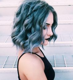 You shouldn't be upset that I have short hair, because styles that will make you feel great! You can put your short wavy hair in trendy and cool looks. Short Wavy Hair, Short Pastel Hair, Coloured Hair, Dye My Hair, Cool Hair Color, Blue Hair Colors, Gorgeous Hair, Pretty Hairstyles, Grunge Hairstyles