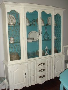 China cabinet makeover with Annie Sloan paint