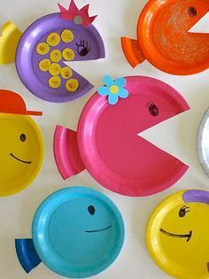 April fools with plates in cartons Summer Crafts, Diy And Crafts, Arts And Crafts, Diy For Kids, Crafts For Kids, Ocean Crafts, Paper Plate Crafts, Preschool Crafts, Kids And Parenting