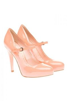 Loving these pink pumps from Miu Miu!