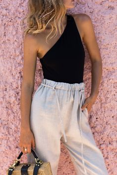 When he can't stop staring, for good reason. Low neckline Cut out bodice Revealing Bodysuit Material: Cotton/Lycra Handmade garment Casual Outfits, Cute Outfits, Fashion Outfits, Womens Fashion, Spring Summer Fashion, Spring Outfits, Black One Shoulder Top, Boutique Fashion, Pantalon Large