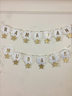 Iftar Party, Eid Party, Boyfriend Gift Basket, Ramadan Crafts, Ramadan Mubarak, Geek Gifts, Diy And Crafts, Diys, Gift Baskets