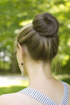the perfect bun Pretty Hairstyles, Girl Hairstyles, Hair Donut, Perfect Bun, Hair Beauty, Beauty Stuff, Hair Looks, How To Stay Healthy, Hair And Nails
