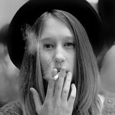 Taissa Farmiga from American Horror Story Tate And Violet, Violet Ahs, American Horror Story Seasons, Tv Show Music, Women Smoking, People Smoking, Great Tv Shows, Favorite Person, Pretty People