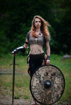 Viking Shield - Viking Weapon - Viking Age - History of Vikings Warrior Girl, Warrior Princess, Warrior Women, Female Viking Warrior, Female Warrior Costume, Irish Warrior, Female Soldier, Fantasy Armor, Medieval Fantasy