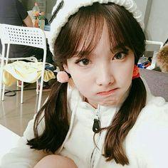 twice, nayeon, and kpop imageの画像 South Korean Girls, Korean Girl Groups, K Pop Idol, Chaeyoung Twice, Twice Once, Nayeon Twice, Dahyun, Im Nayeon, Ulzzang Girl